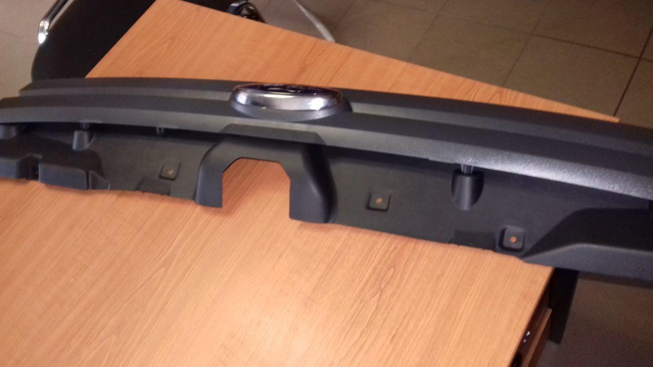 Фото 4 - Решетка радиатора с 2006года Оригинал Ford Connect