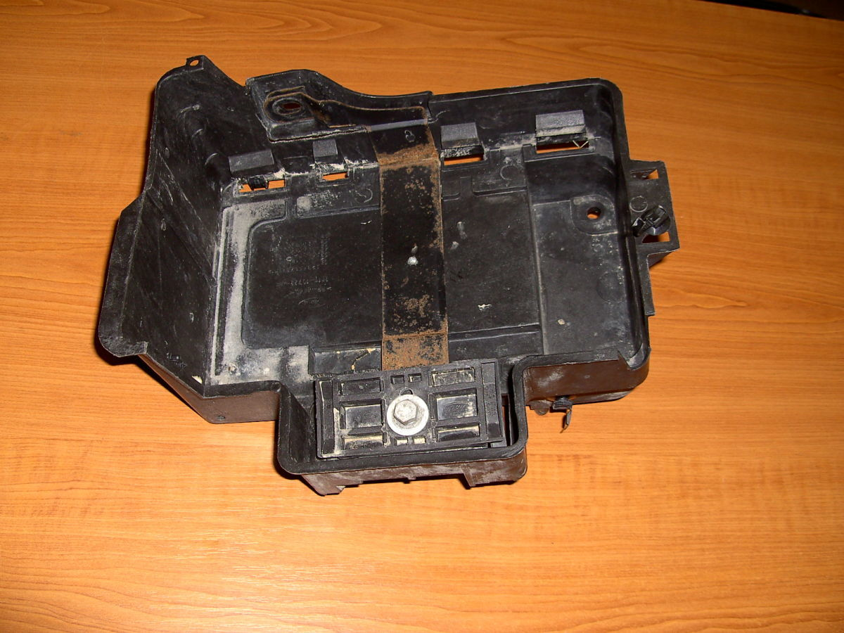 Фото 2 - Полка(коробка) под аккумулятор Ford Connect
