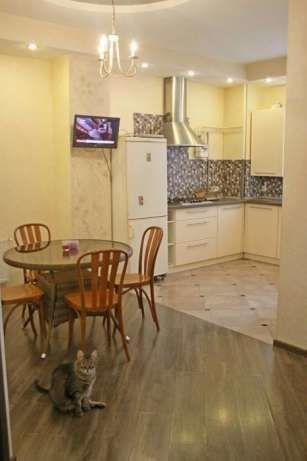 Продам квартиру Новоалександровская ул., 54А, 3 комнаты, 1 эт. 5-эт.