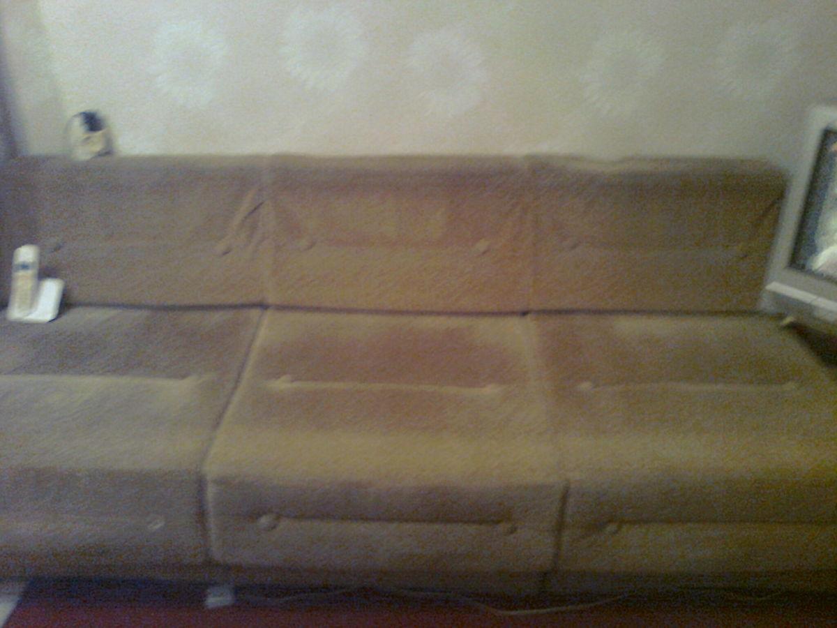 Фото - Велюровый диван кремового цвета, длина -190 см,ширина-72 см