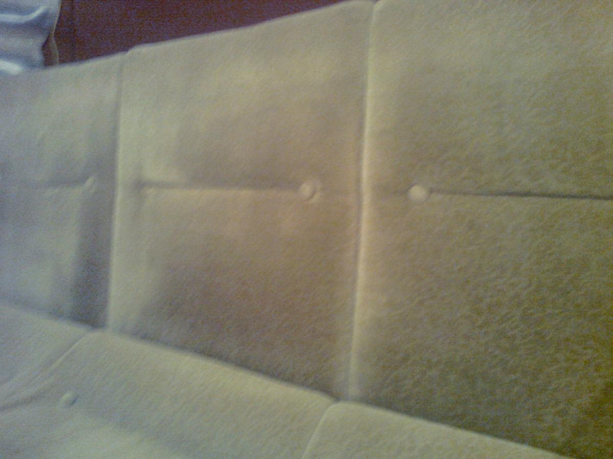 Фото 3 - Велюровый диван кремового цвета, длина -190 см,ширина-72 см