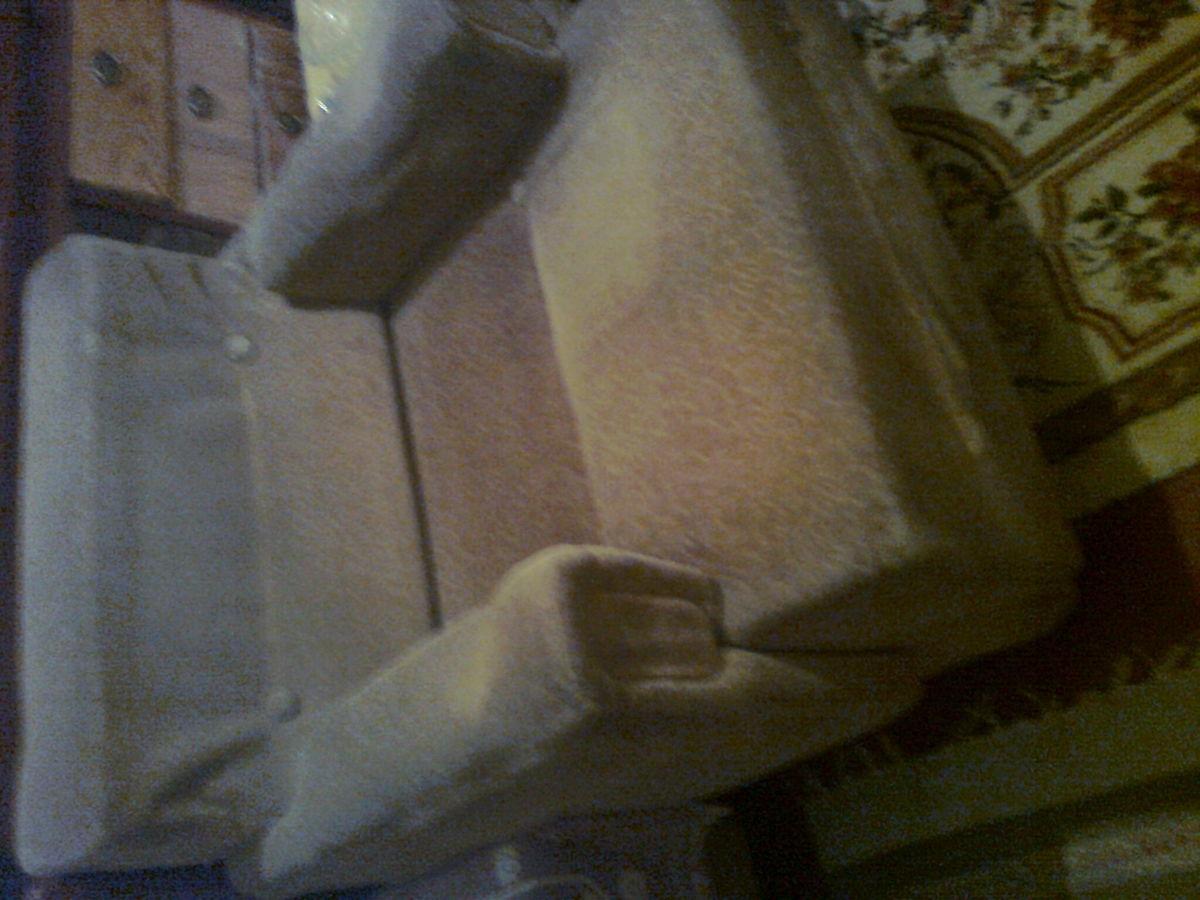 Фото 4 - Велюровое кресло кофейного цвета