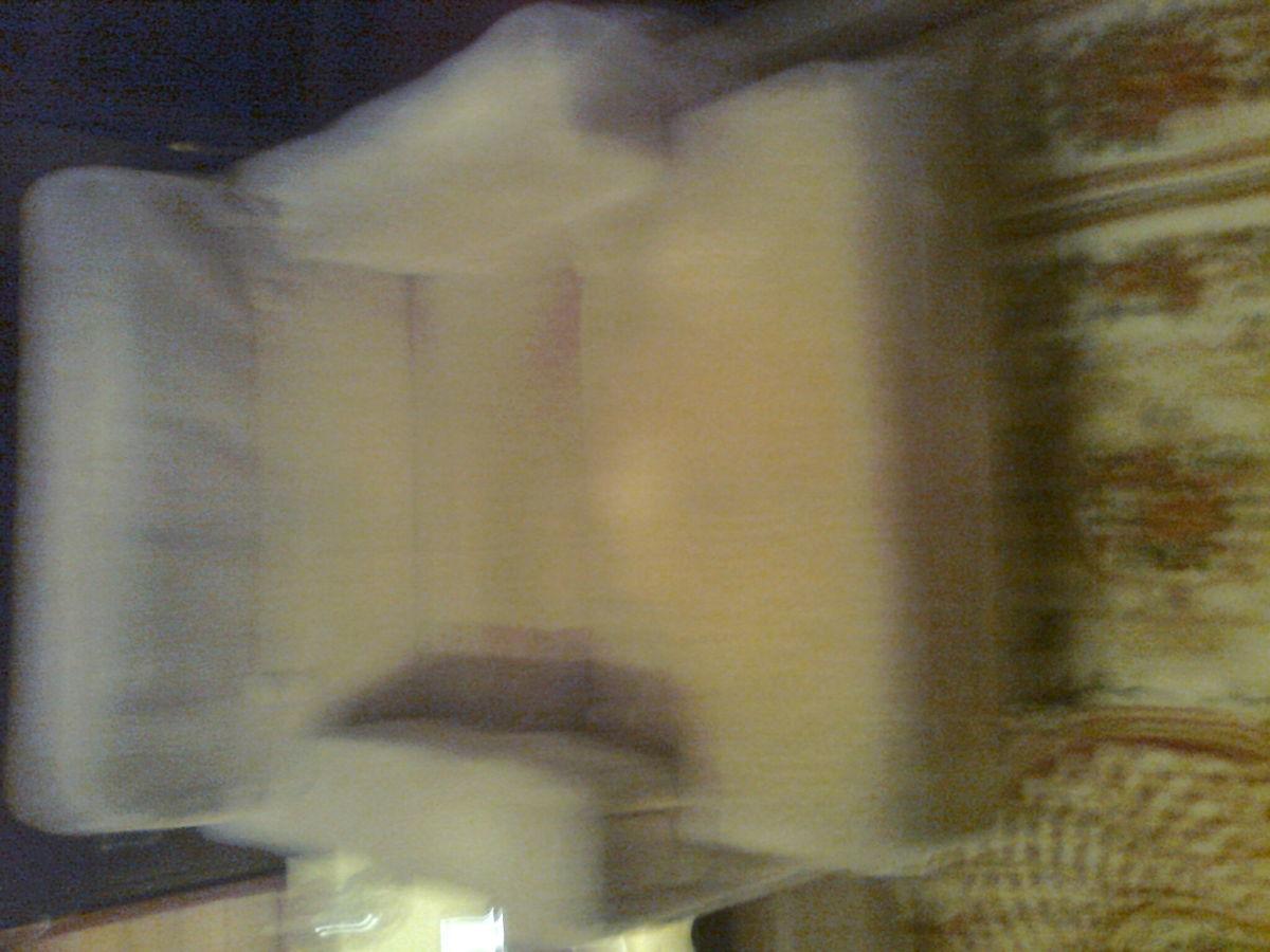 Фото 8 - Велюровое кресло кофейного цвета