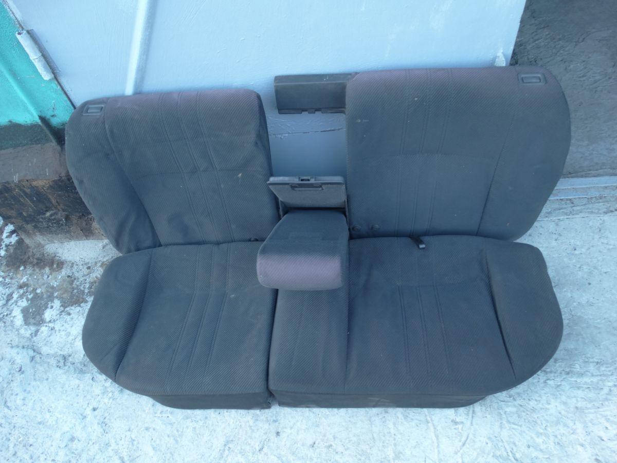 Фото 2 - Заднее сиденье диван Opel Kadett Е СЕДАН