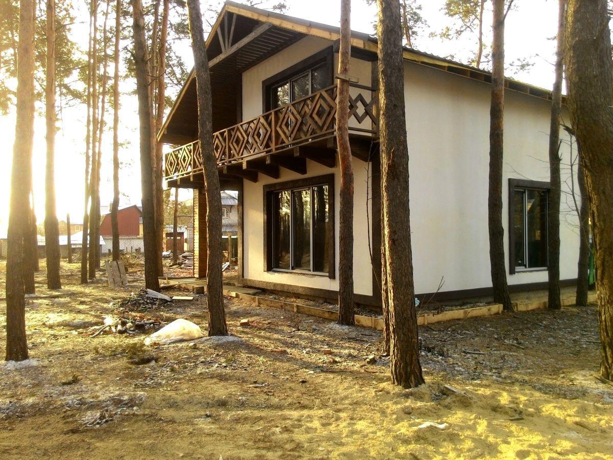 Дом в лесу в 10 км от Киева.