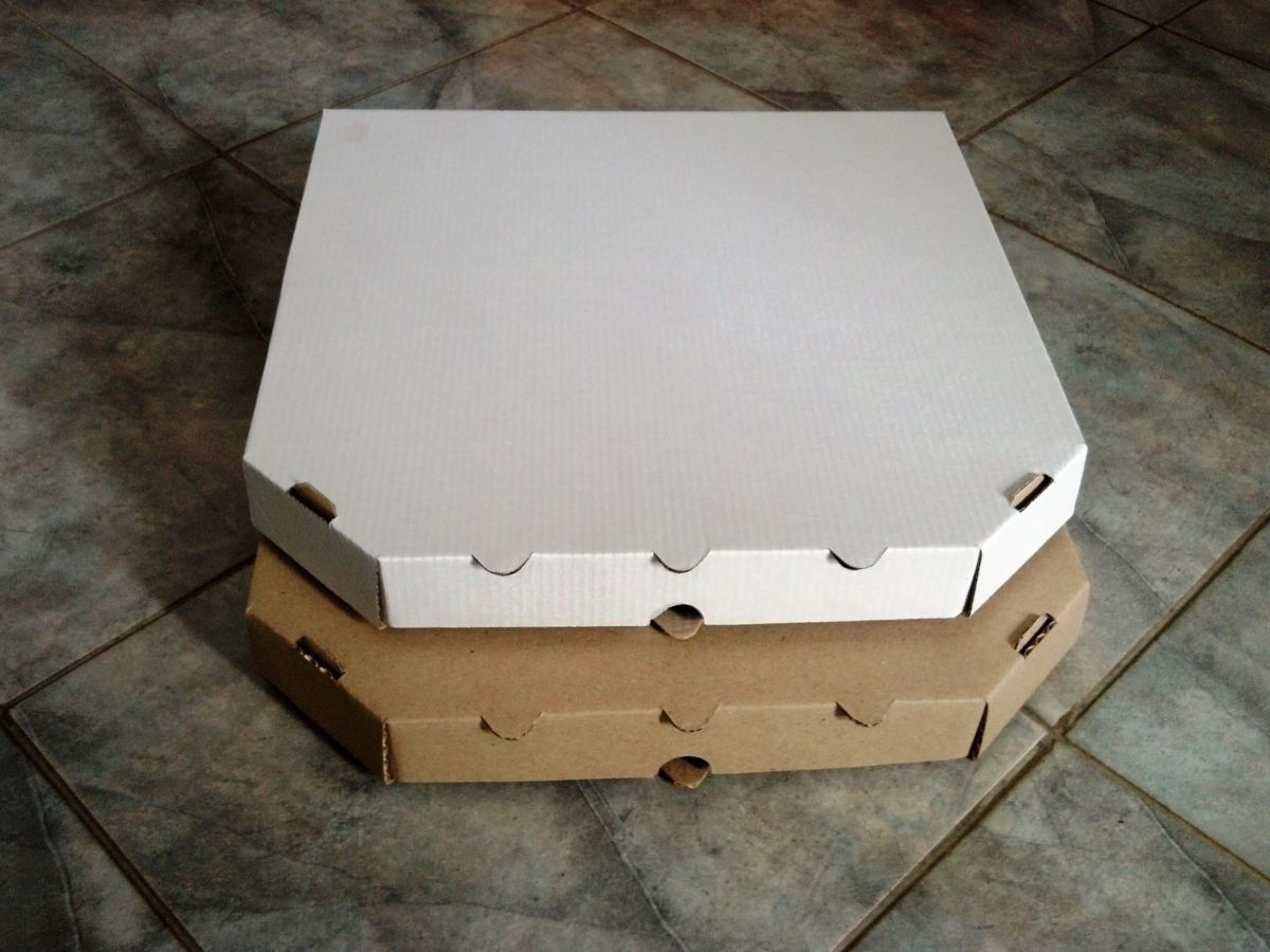 Коробка для пиццы 330х330х40 белая