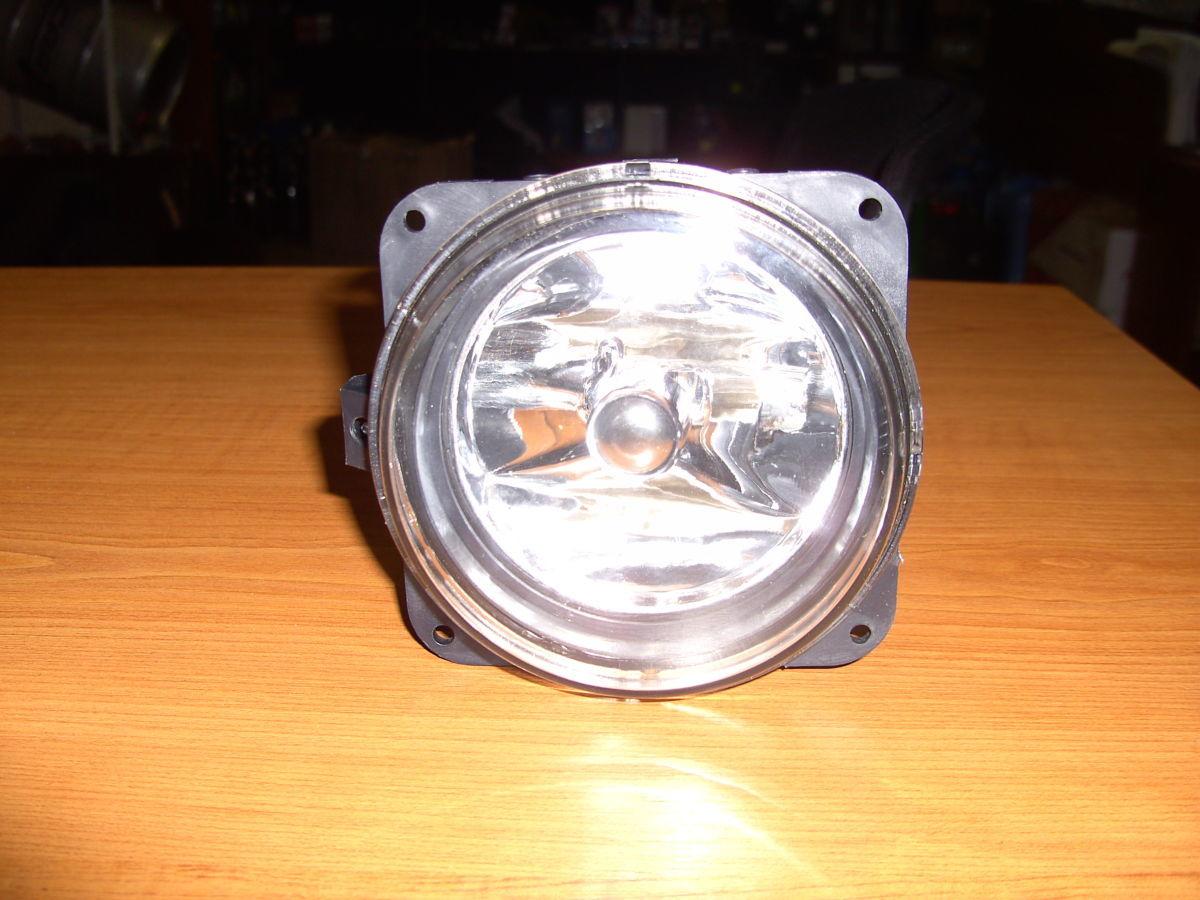 Фото 5 - Фара противотуманная галогенка до 2006г Ford Connect