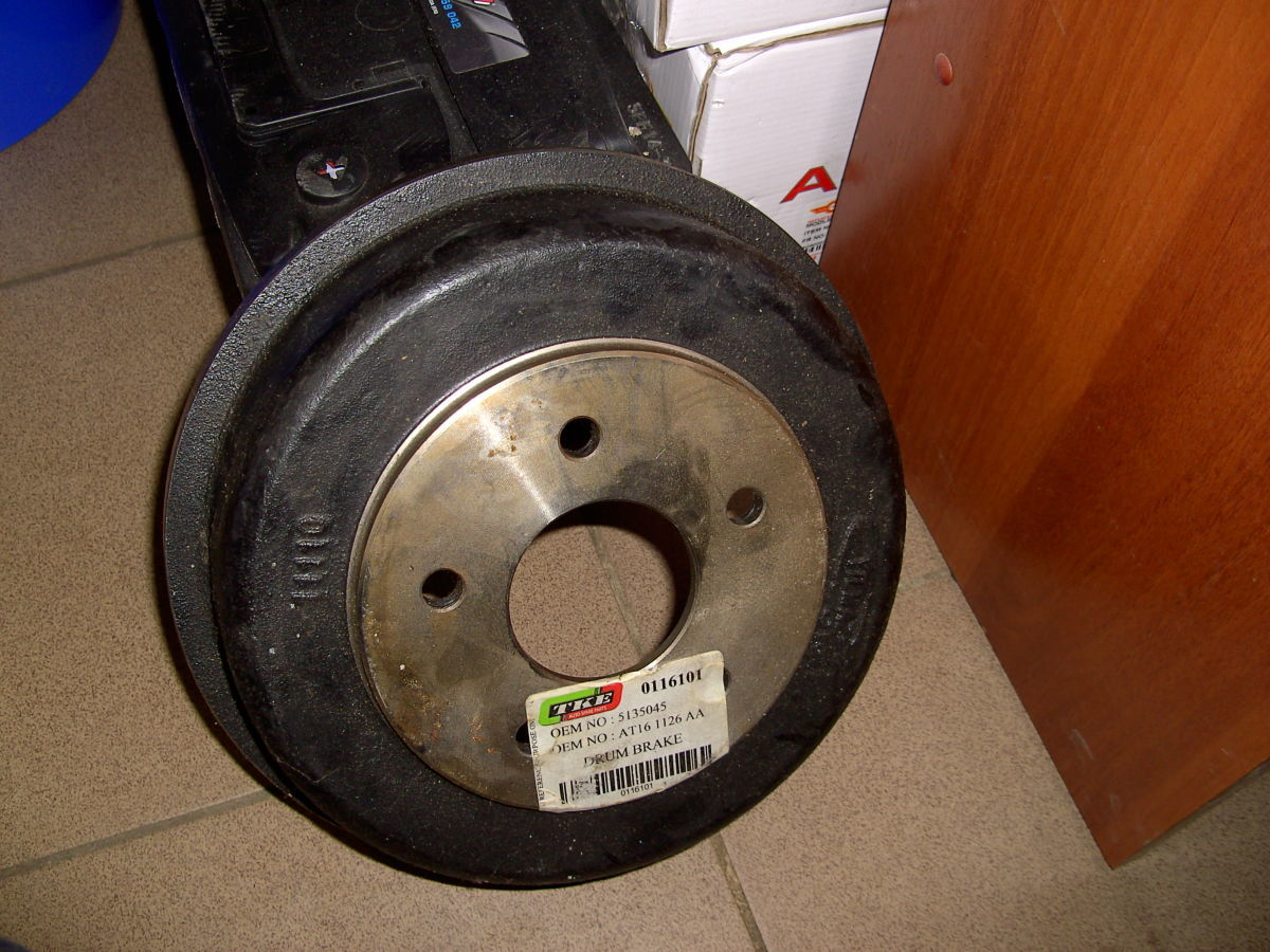 Фото - Тормозной барабан Ford Connect