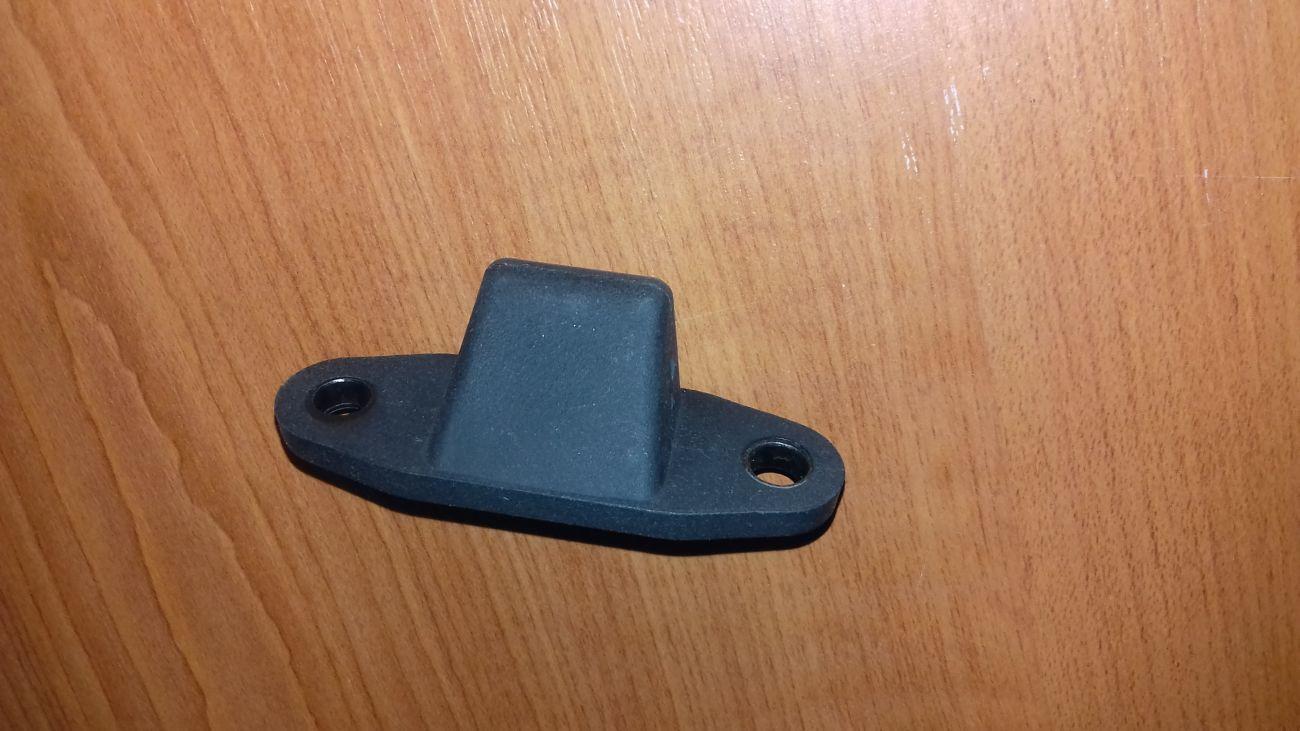 Фото 5 - Направляющая сдвижной двери на дверях(нижняя) Ford Connect