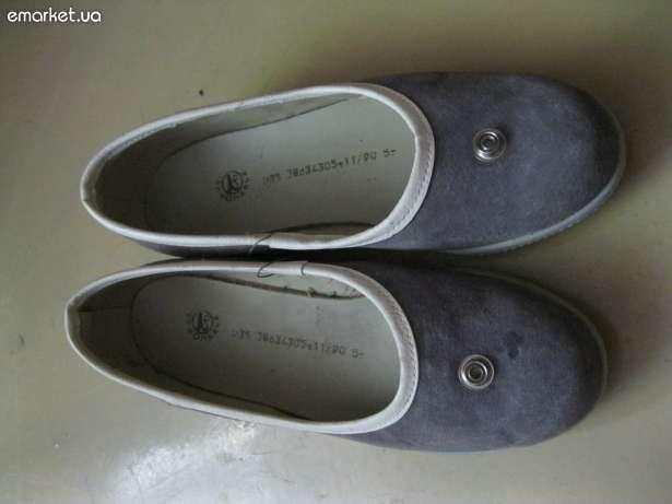 Фото - замшевые серые туфли  на платформочке