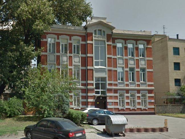 отдельно стоящее трехэтажное  здание Черноморского казачества