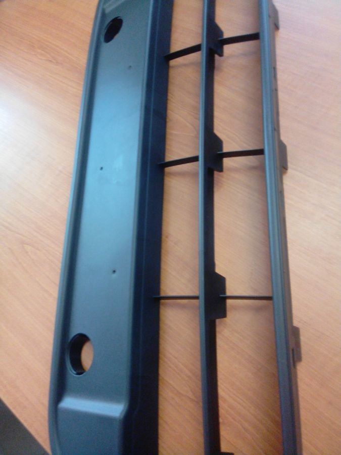 Фото 5 - Решетка радиатора нижняя с 2009 года Ford connect