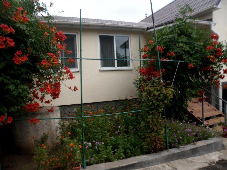 Продам добротный дом с гаражем и участком в Терновке