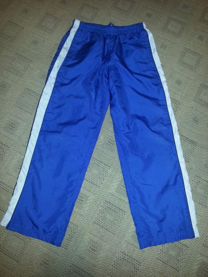 Фото - Спортивные штаны. Размер 140 см