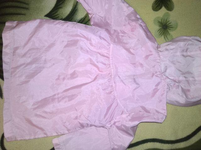 Фото 3 - Плащ розовый, для девочки с капюшоном - Б/У
