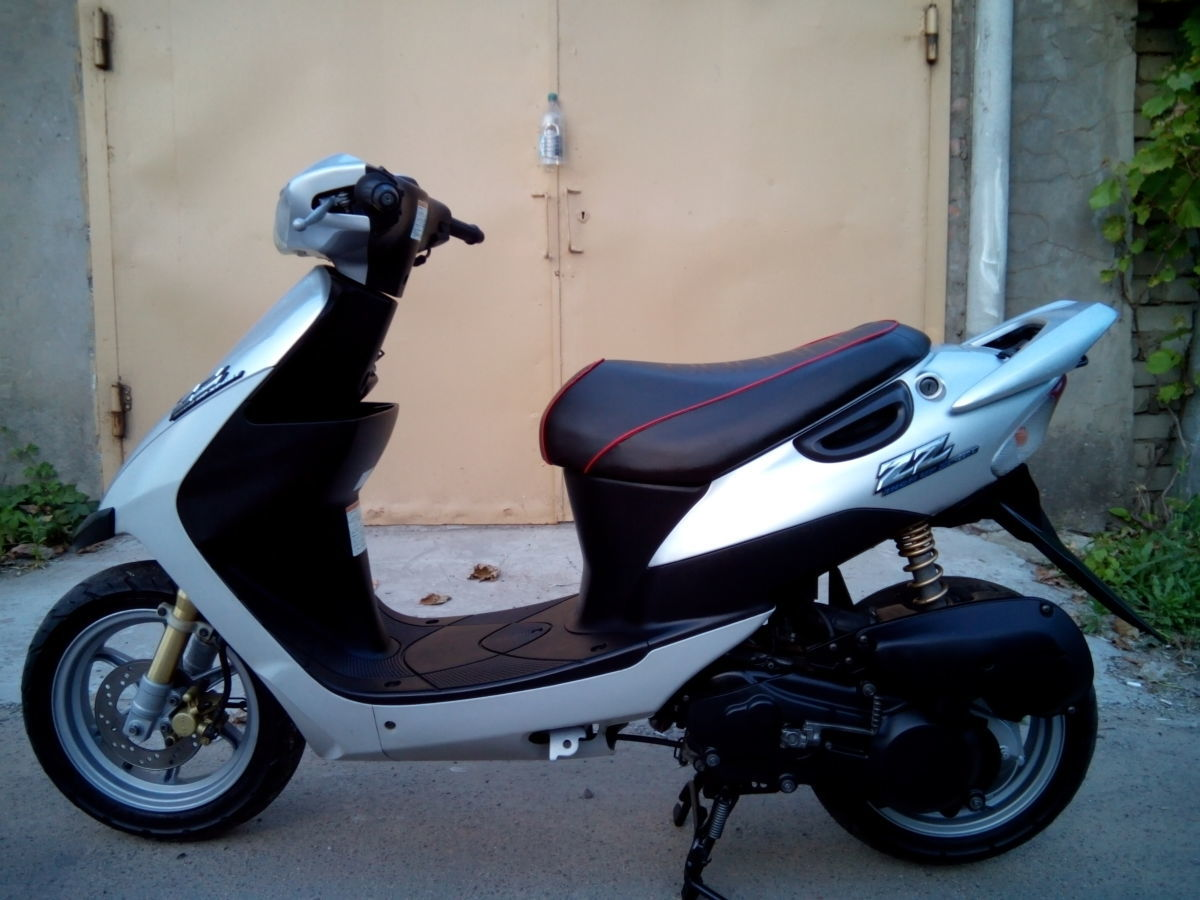 Фото 2 - продам скутер Suzuki ZZ Inch UP Sport