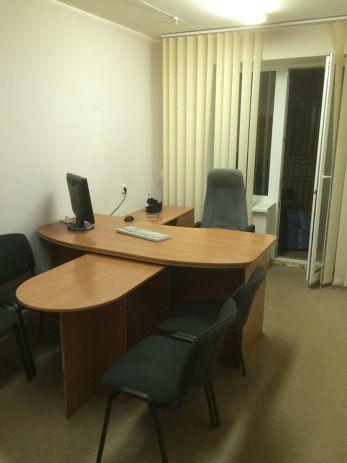 Уютный, стильный офис в новом кирпичном доме на Победе