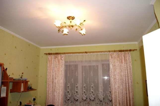 Продается вместительная полнометражная квартира в центре города.