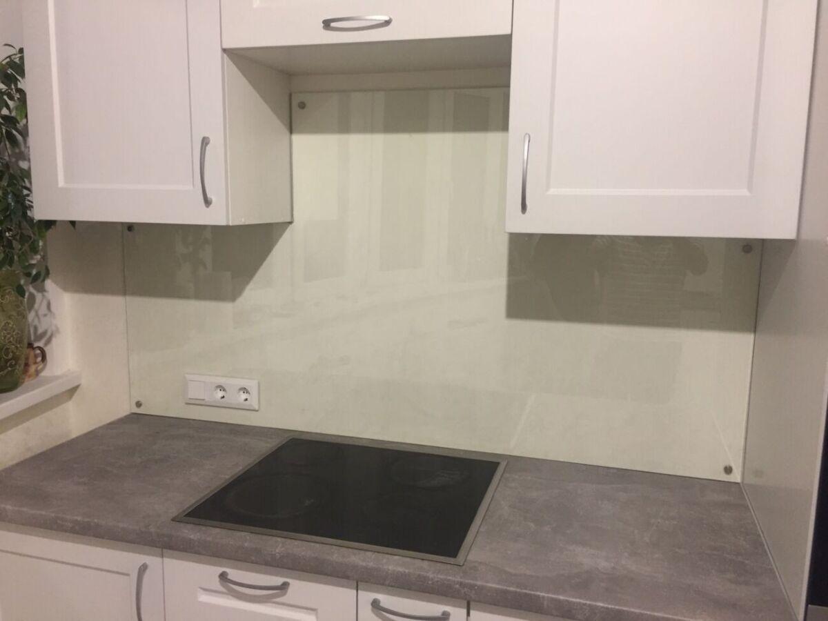 Стеклянный фартух на кухню из каленного  стекла