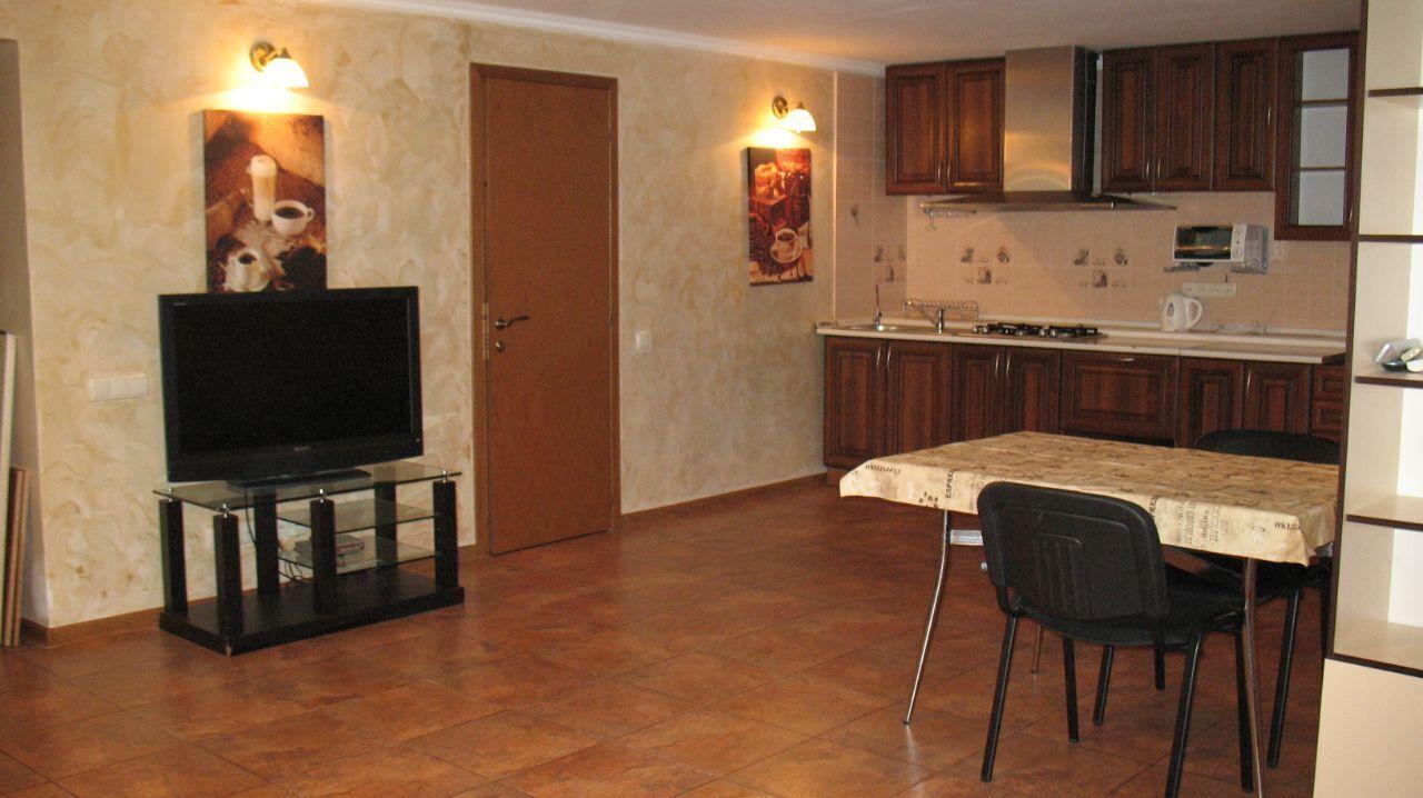 Сдам 2-к квартиру +кухня студия на пр. Шевченко