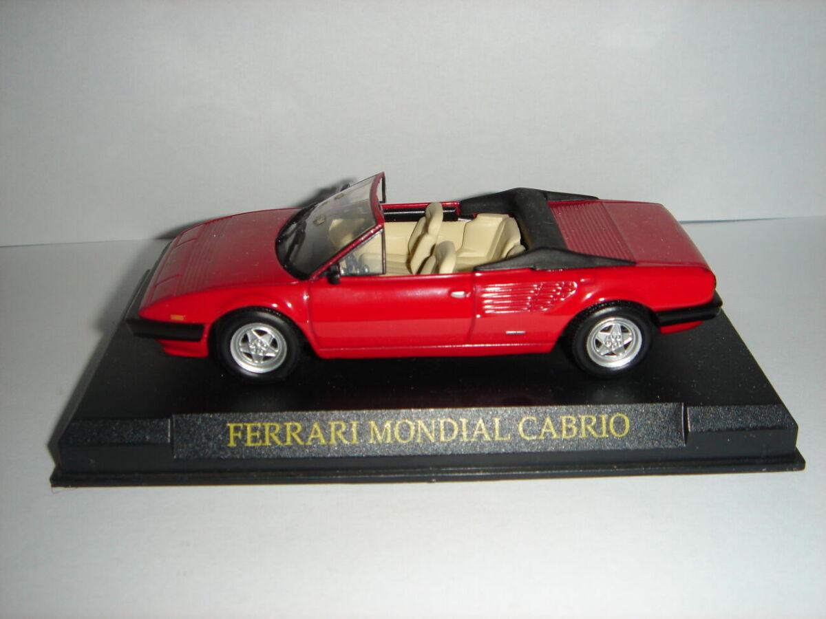 Продам машинку металлическую FERRARI MONDIAL CABRIO. 1:43