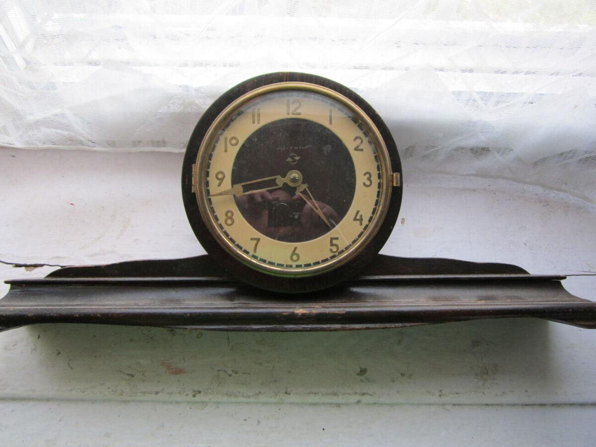 Часы Весна 500грн.