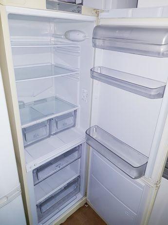 Холодильник Ariston 180/60/60
