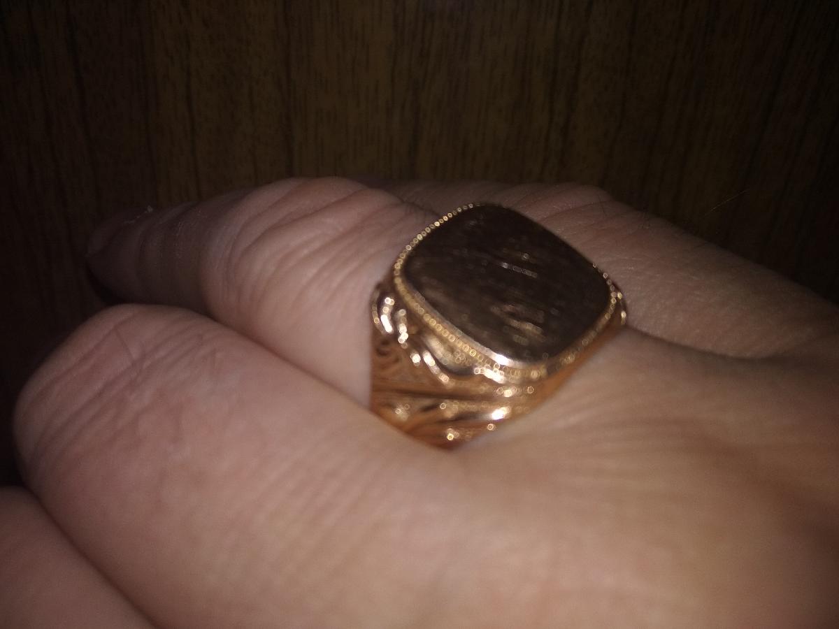 Мужская золотая печатка