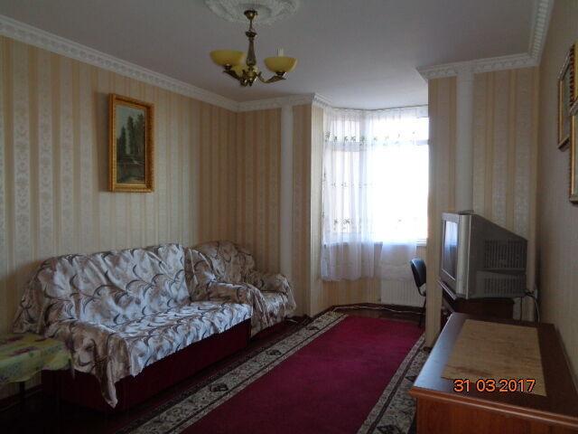 Разумовская: сдам солнечную теплую квартиру в новом доме возле центра!