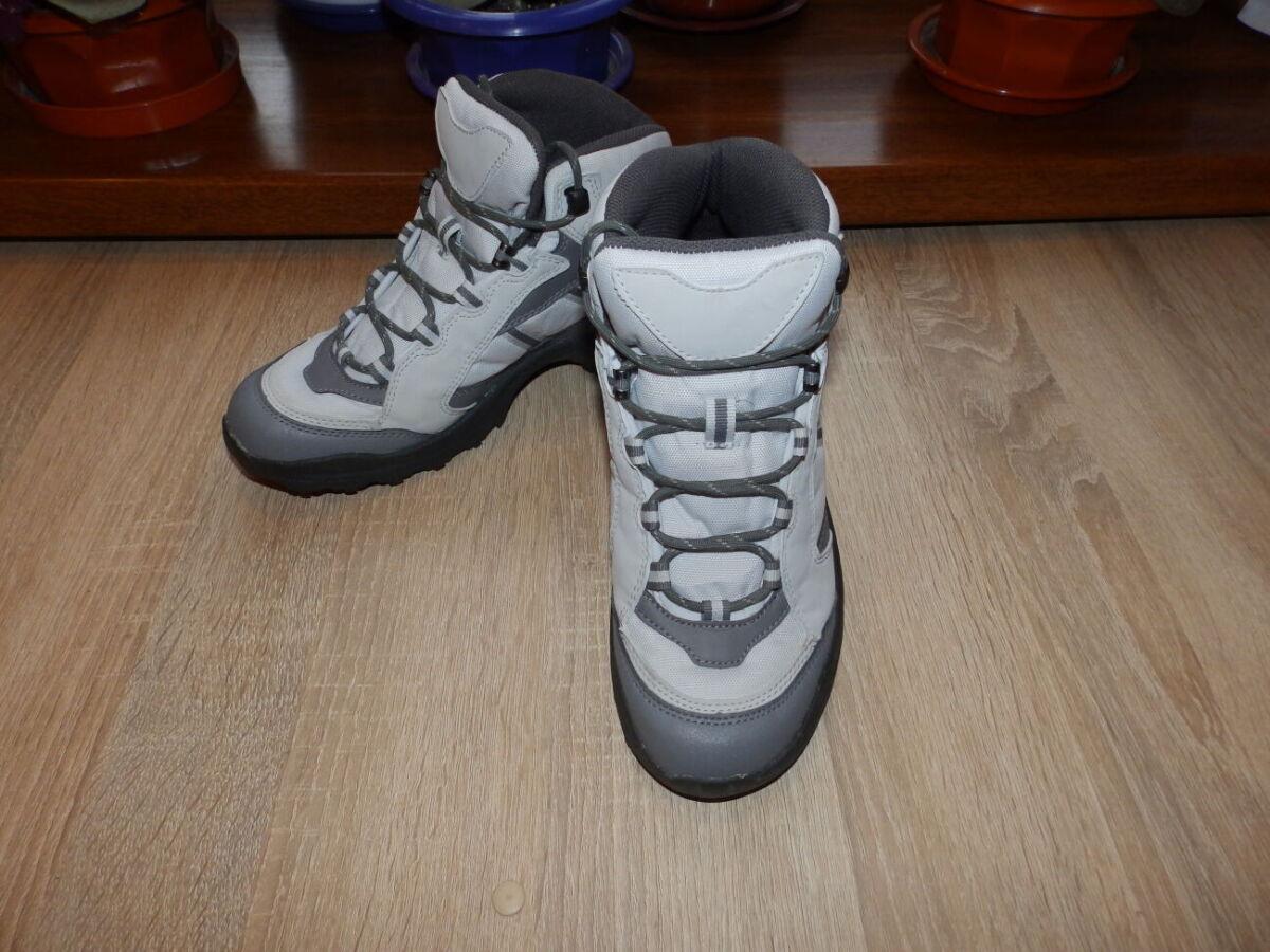 Треккинговые , туристические кроссовки , ботинки Quechua Hiking Boots