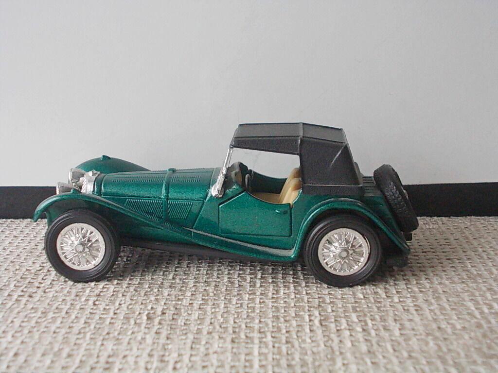 Коллекционная модель старинного автомобиля авто Ягуар от Welly Jaguar
