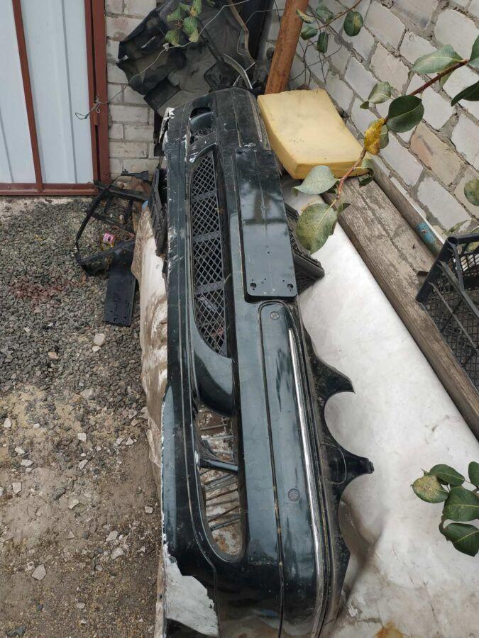 Передний бампер Mercedes w210
