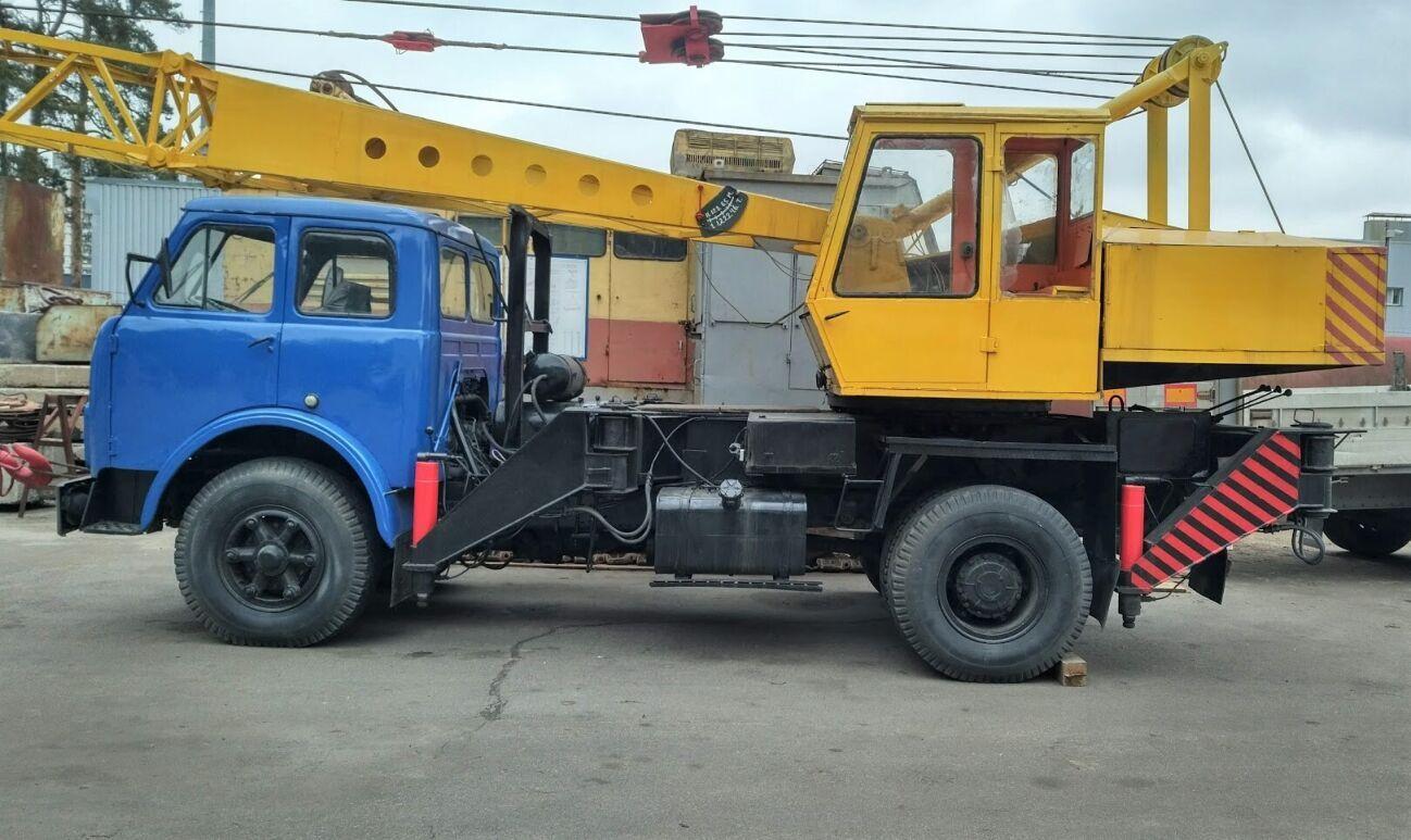 Автокран СМК-101 на шасси МАЗ-500