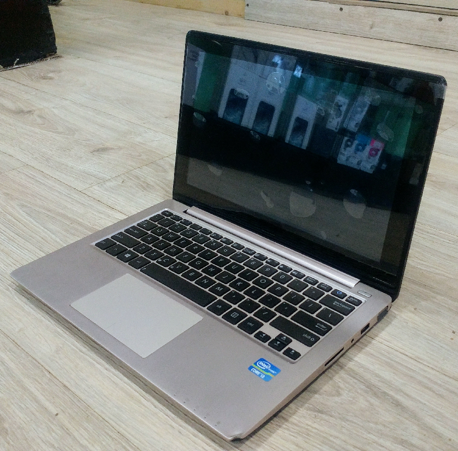 ASUS X202E, Intel Core i3-3217U 1.8 GHz, 4 Gb DDR3, 500 Gb