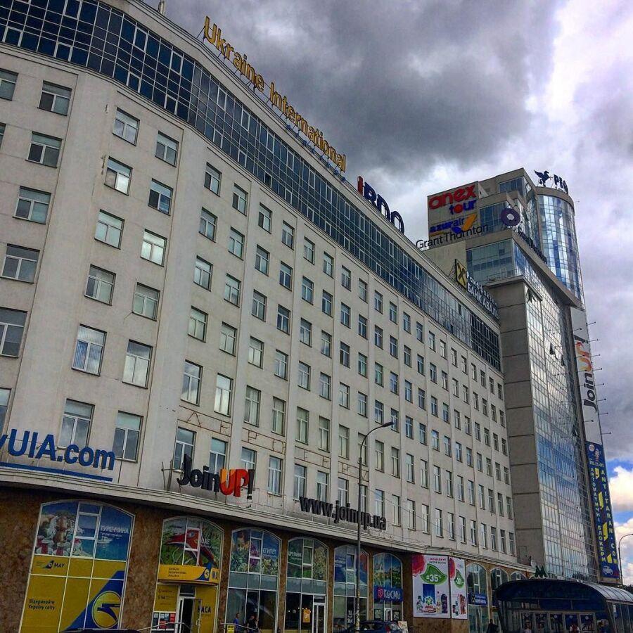 Сдам офис 90 кв.м, 1 минута метро Бориспольская