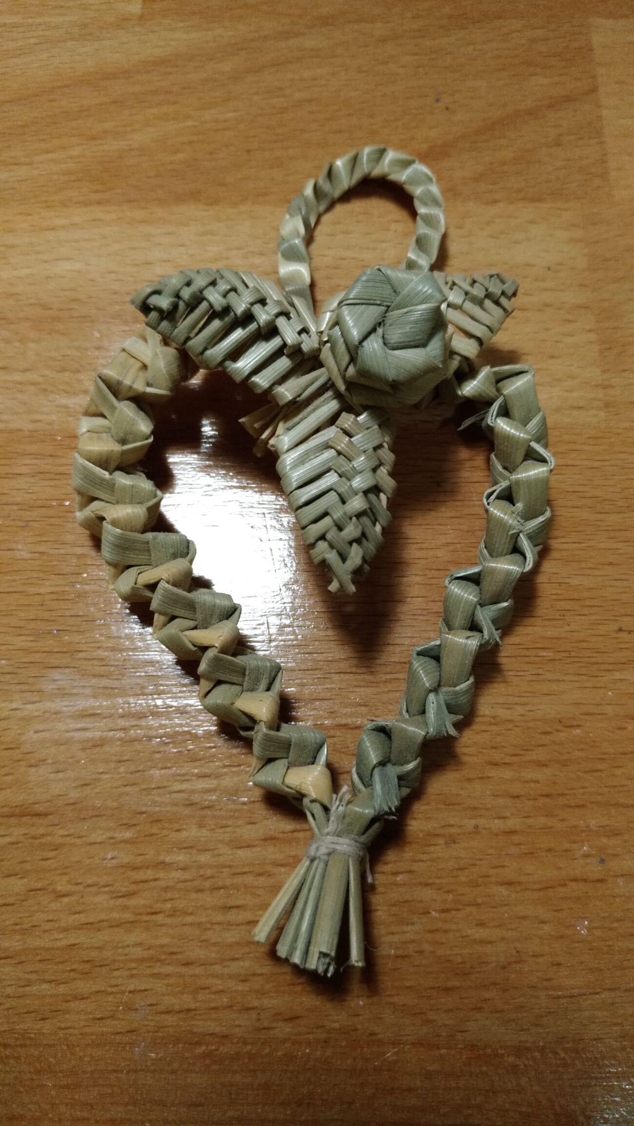 Солом'яне Серце з квіткою