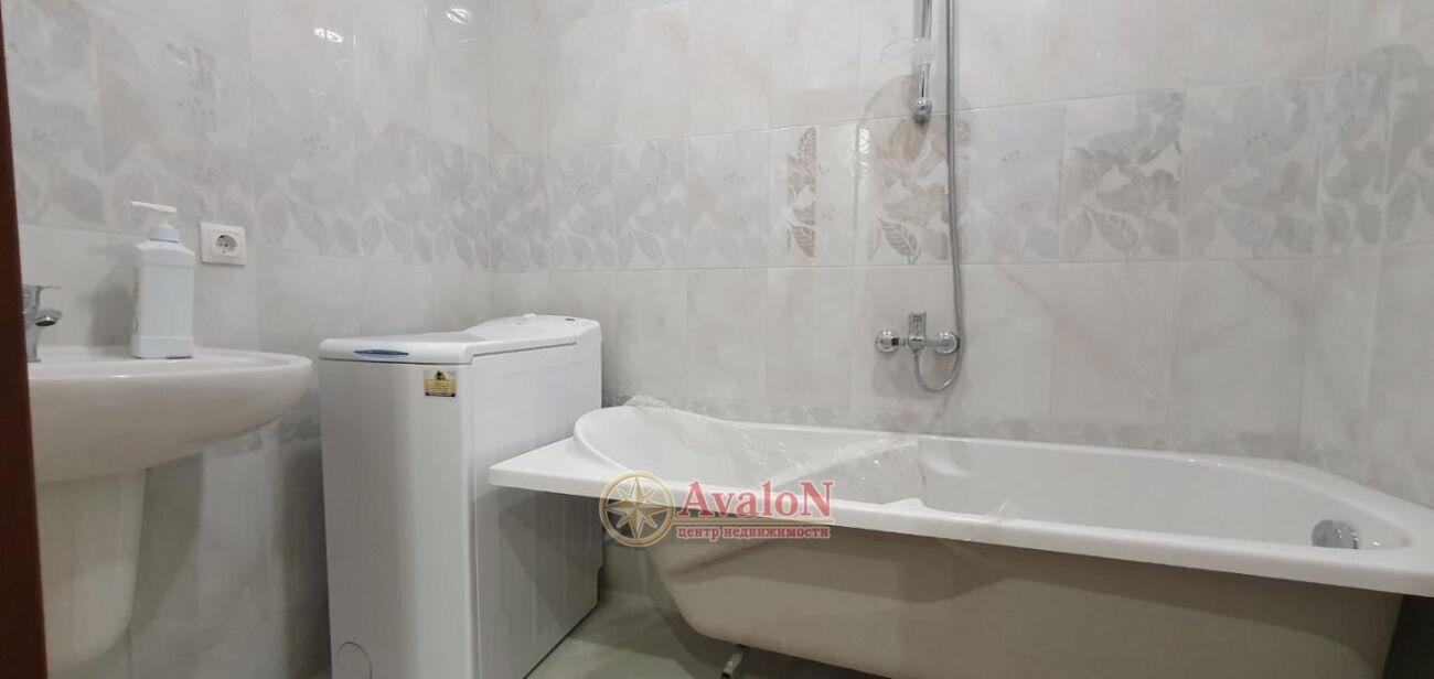 Продается 2-х комнатная квартира на Бочарова ул.
