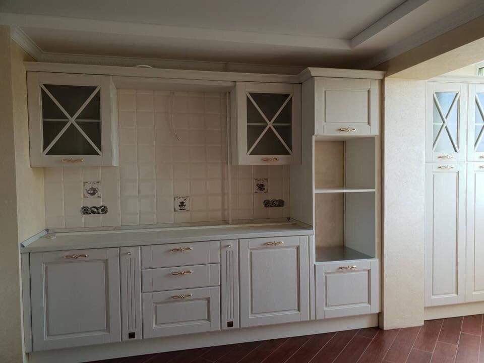 Продам элитную трехкомнатную  квартиру нестандартной планировки