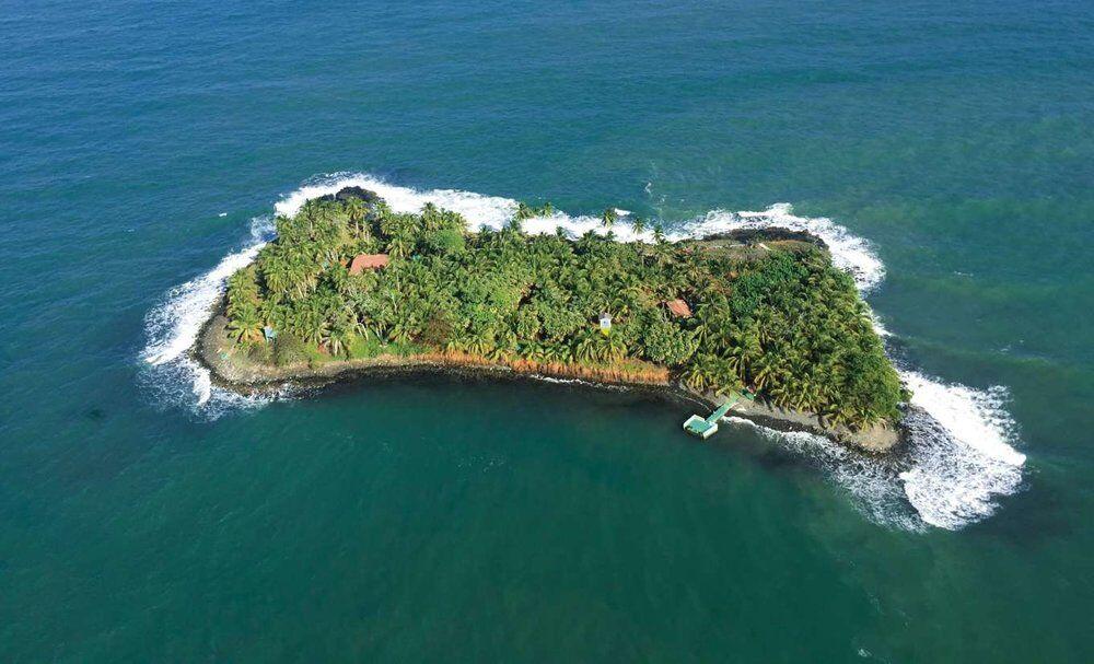 Купи личный остров в Карибском море!