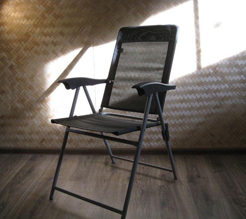 Стілець/Крісло розкладне.Рама-метал.