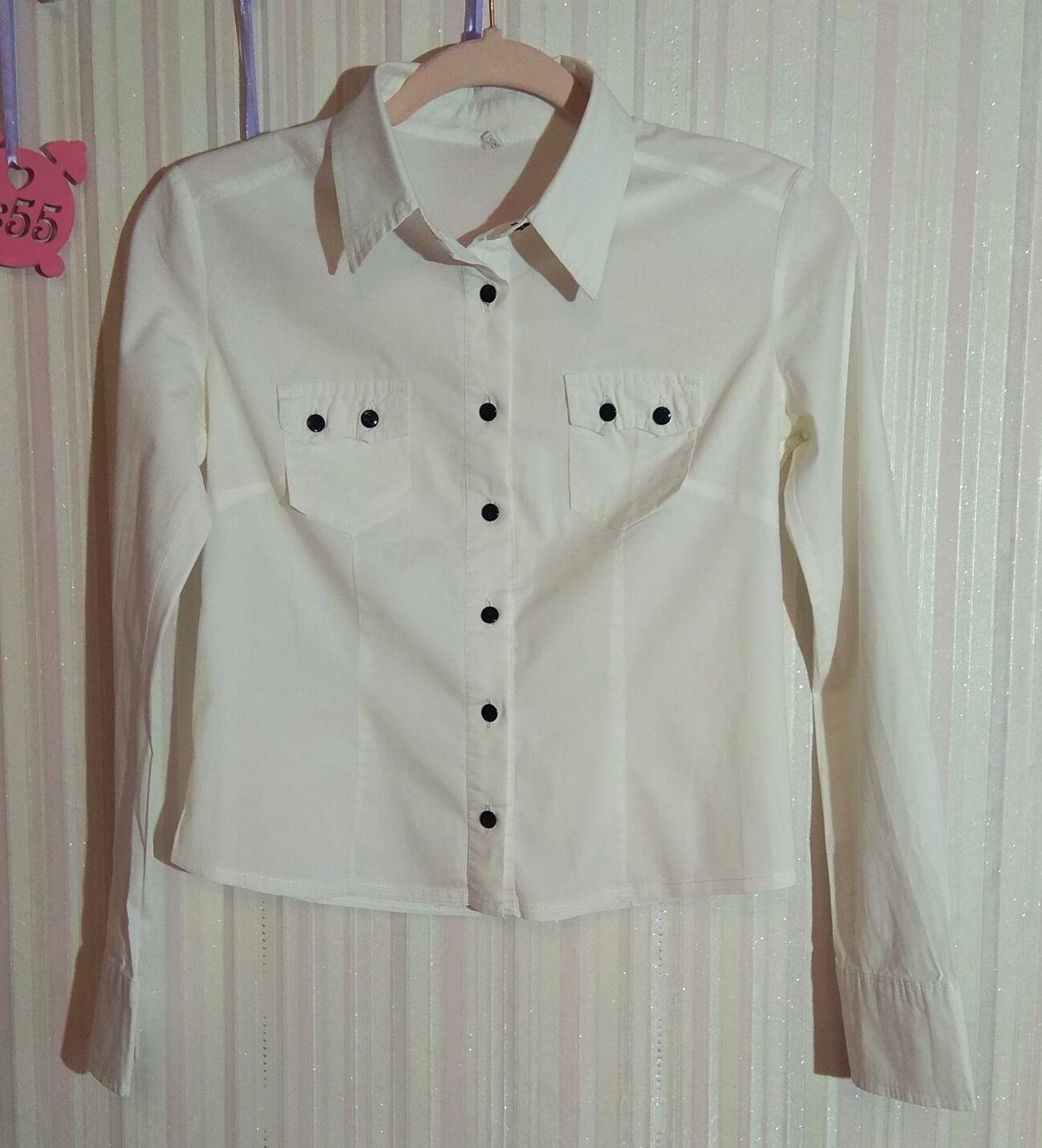 Белая рубашка с длинным рукавом р.38