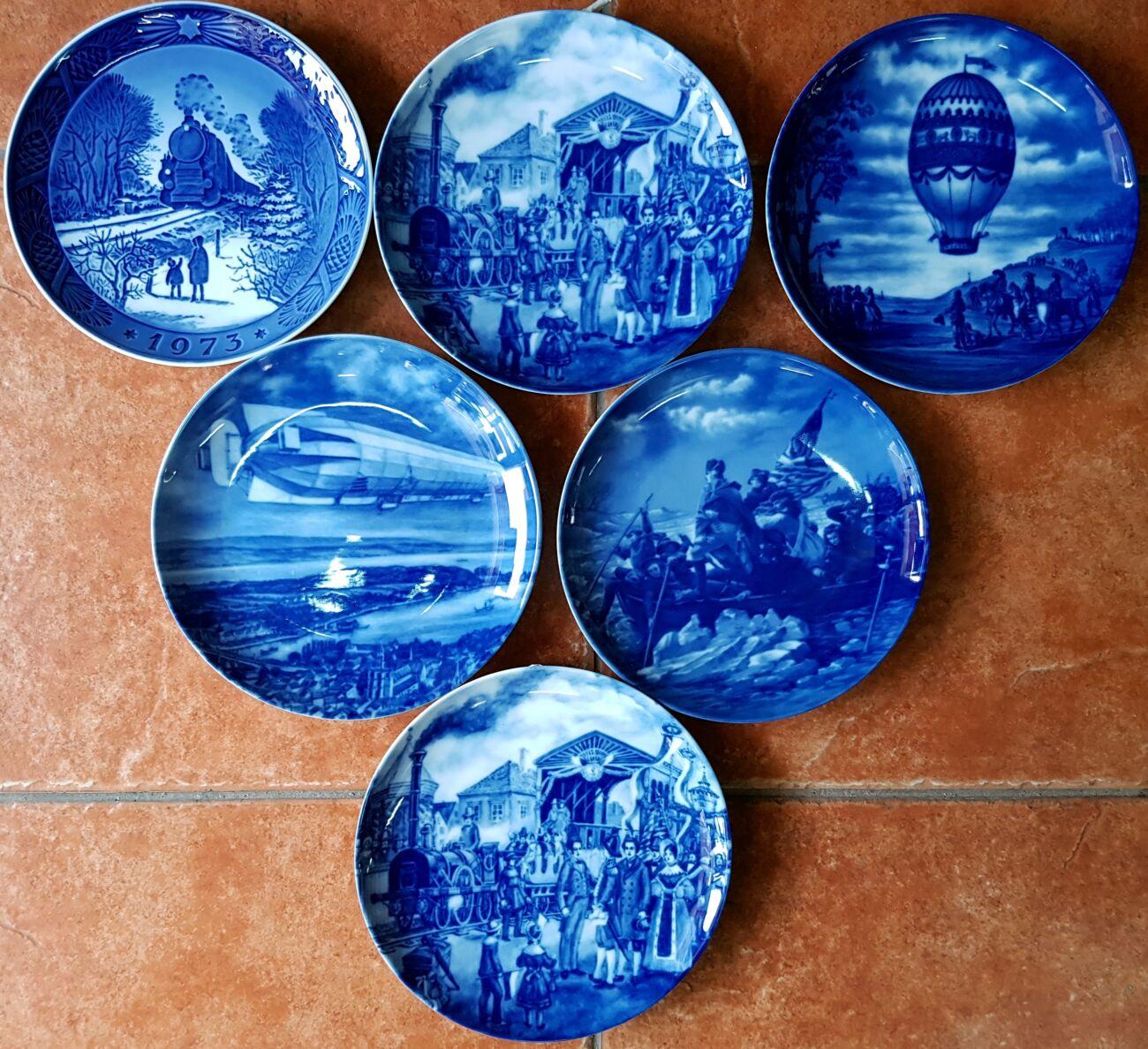Продам кобальтовые, декоративные, фарфоровые тарелки.