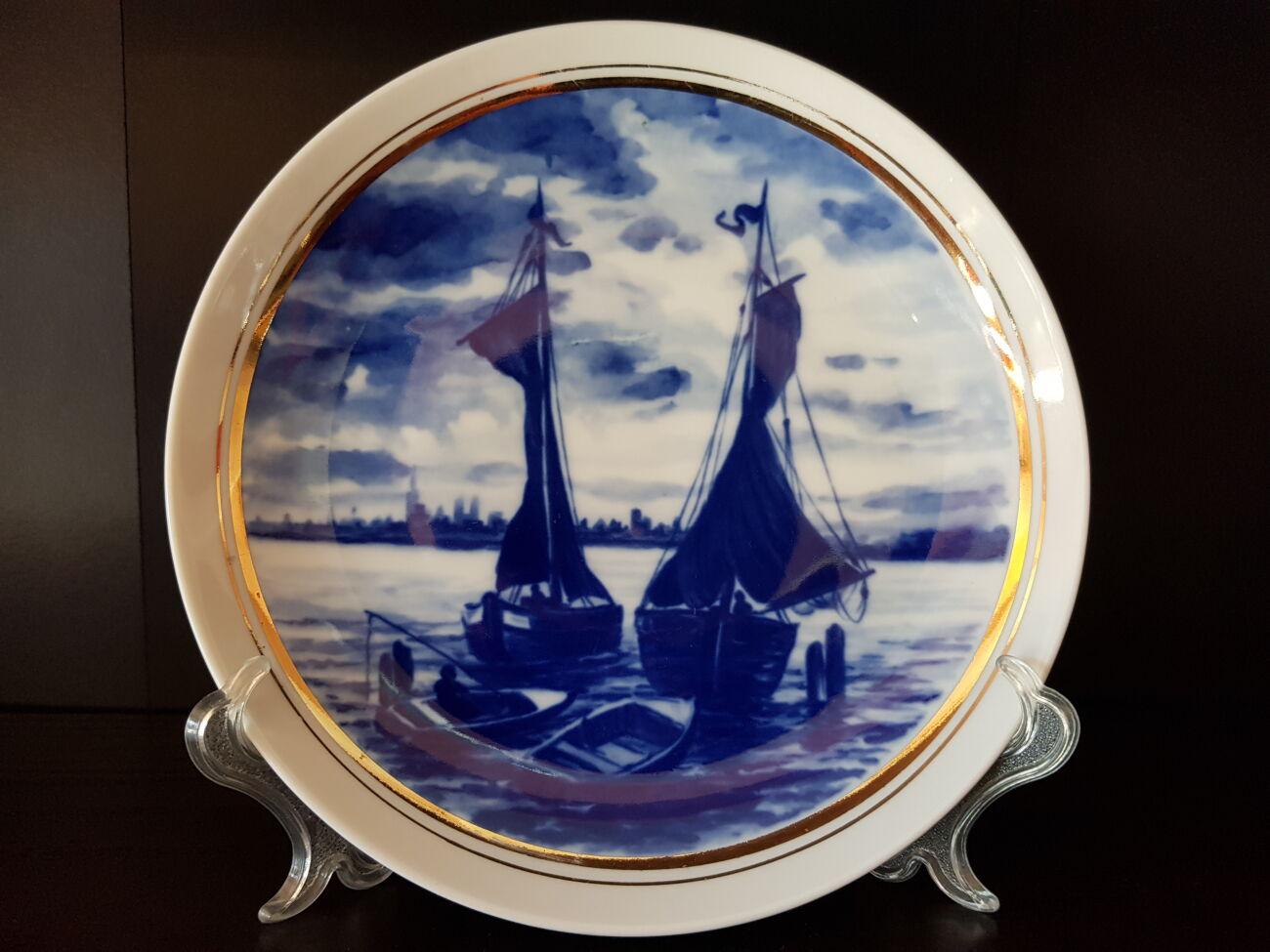 Продам немецкую, фарфоровую, кобальтовую, декоративную тарелку с изобр