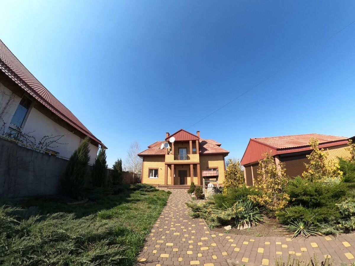 Сдам дом в Новоселовке.