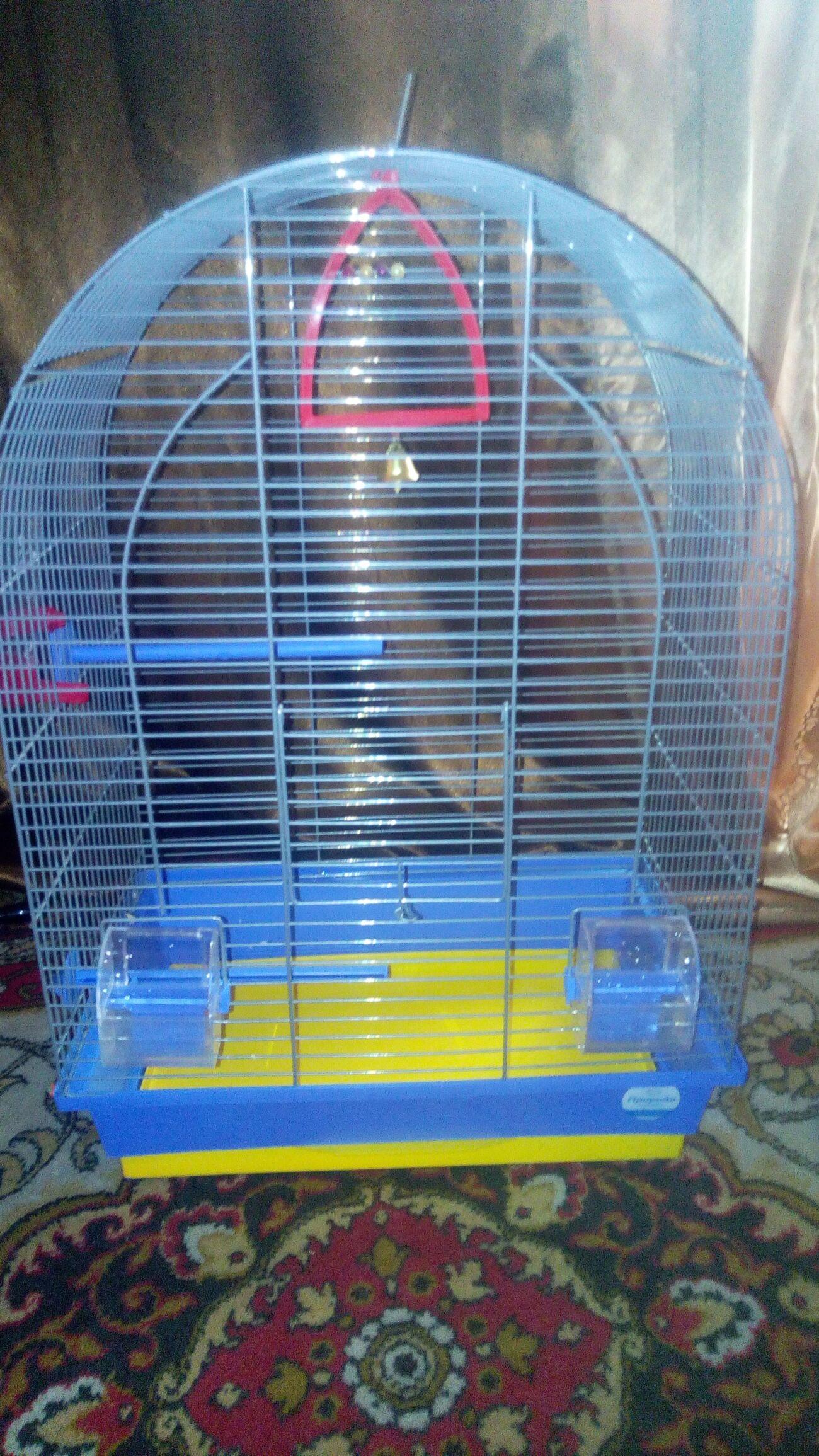Продается клетка для попугаев