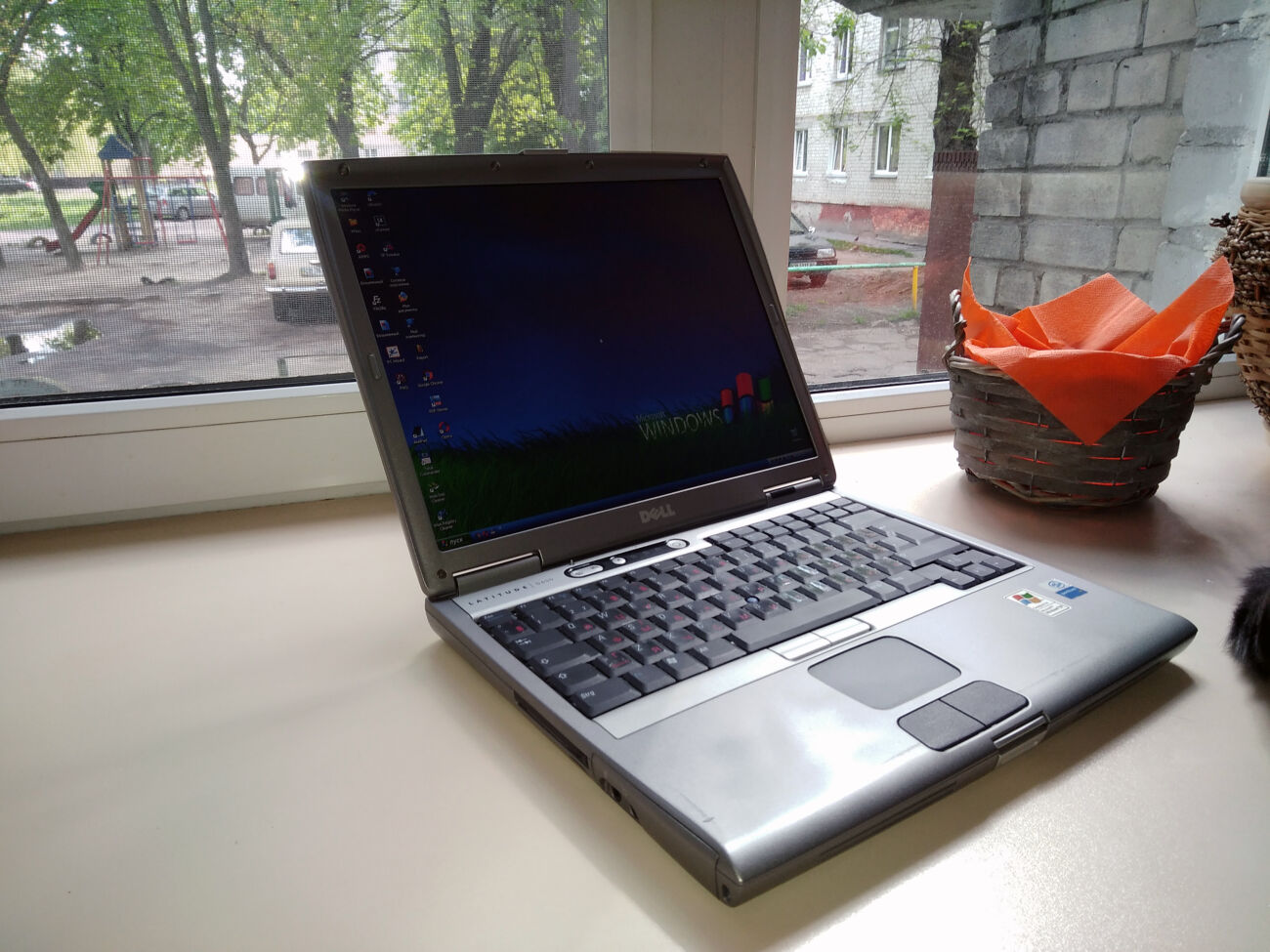 Ноутбук Dell Latitude D600 (Intel/RAM 2Gb/HDD 120Gb/АКБ 3.5ч) COM-порт