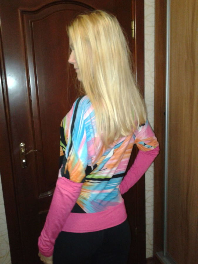 Фото 5 - Яркая блуза интересного фасона
