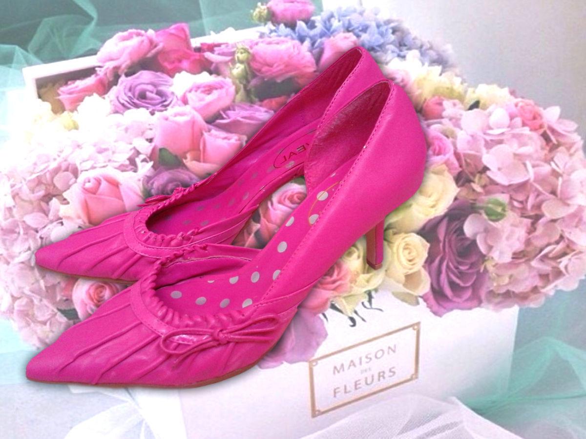 Фото - Розовые туфли на шпильке