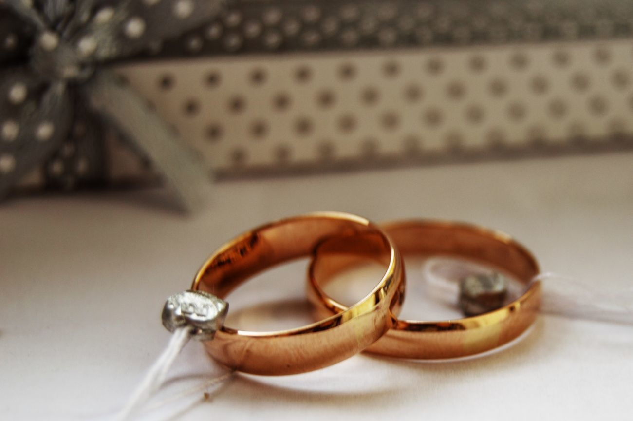 Фото - Золотые обручальные кольца - Любой размер! (4 мм)