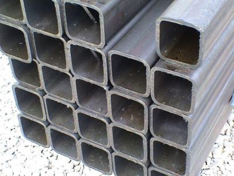 Фото - Труба стальная квадратная 30х30х2
